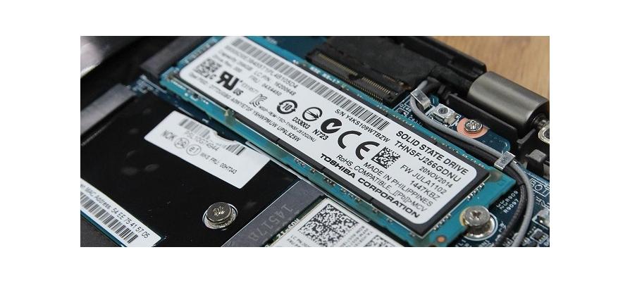 Dell XPS 15 : 9550, 9560 có nâng cấp RAM, Ổ cứng